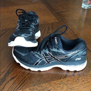 ASICS nimbus 20 running shoes